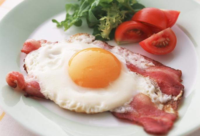 Омлеты яичницы завтраки